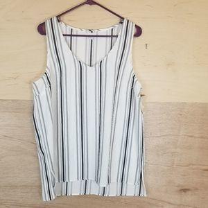 14th & Union Striped Black & White Blouse